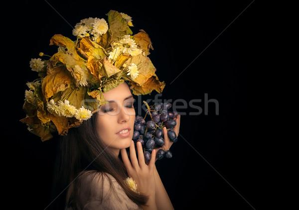 ősz nő szépség portré szőlő őszi Stock fotó © NicoletaIonescu