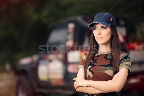 Feminino motorista exército estrada carro Foto stock © NicoletaIonescu