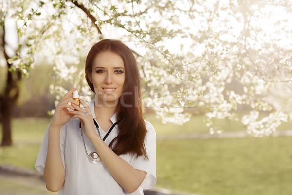 Stockfoto: Voorjaar · vrouw · arts · glimlachend · ademhalings
