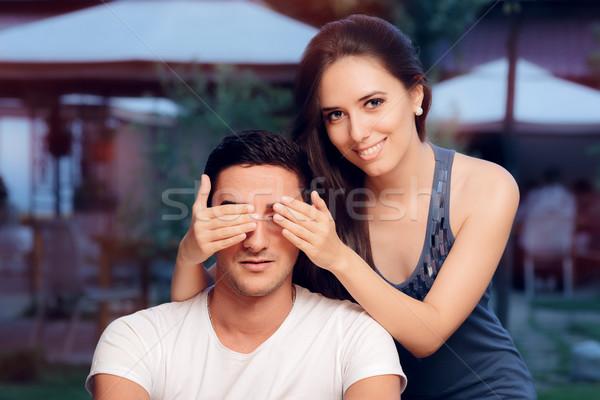 Nő szemek elvesz meglepetés vak randevú Stock fotó © NicoletaIonescu