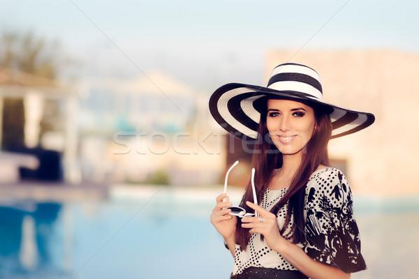 Gelukkig zomer vrouw zonnebril zwembad portret Stockfoto © NicoletaIonescu