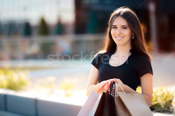 Boldog nő vásárlás nagy nyár vásár Stock fotó © NicoletaIonescu