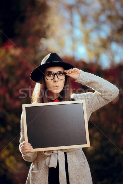 Foto stock: Sorprendido · estudiante · pizarra · signo · venta