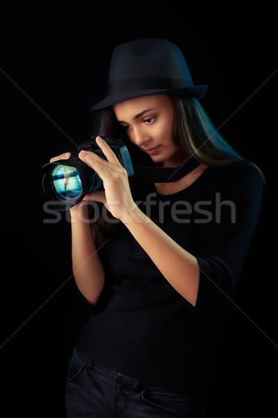 Stok fotoğraf: Genç · fotoğrafçı · kız · dijital · fotoğraf · makinesi · portre · serin