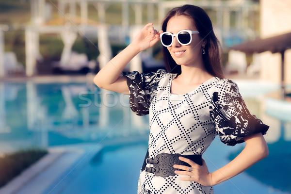 Heureux été femme lunettes de soleil piscine portrait Photo stock © NicoletaIonescu