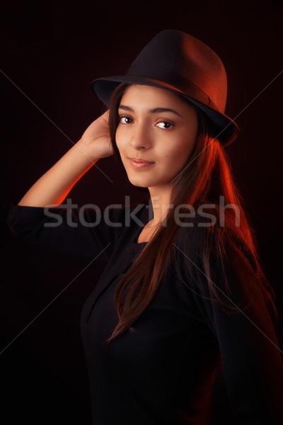 Fedora muchacha adolescente moda retrato jóvenes de moda Foto stock © NicoletaIonescu