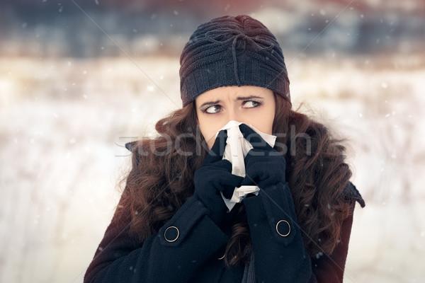Stockfoto: Vrouw · weefsel · buiten · gevoel · slechte · koud