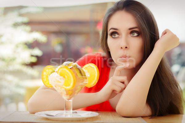 若い女性 食べる 夏 砂漠 美少女 思考 ストックフォト © NicoletaIonescu
