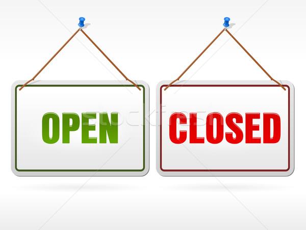 Ouvrir fermé magasin signe blanche suspendu Photo stock © nikdoorg
