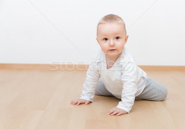 Kicsi baba kúszás fiú arc gyermek Stock fotó © nikkos