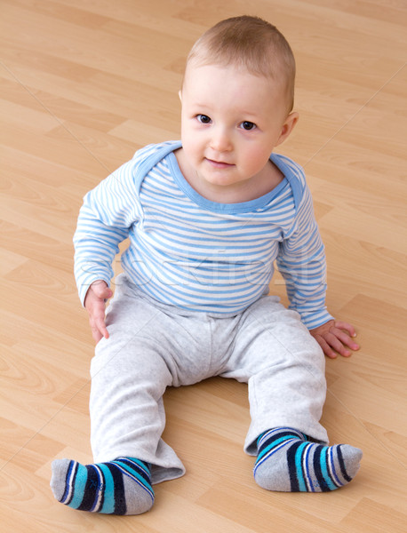 Сток-фото: красивой · смеясь · ребенка · мальчика · сидят · улыбка