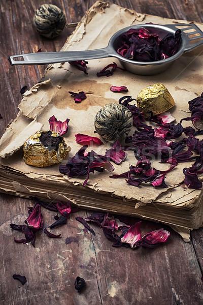 Eski kitap çay yaprakları ahşap bağbozumu stil Stok fotoğraf © nikolaydonetsk