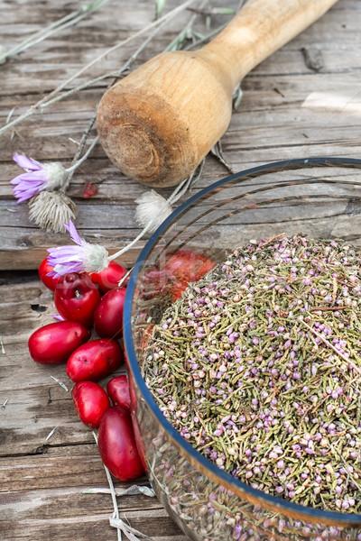 Frutti di bosco arbusto ciotola semi tavolo in legno Foto d'archivio © nikolaydonetsk