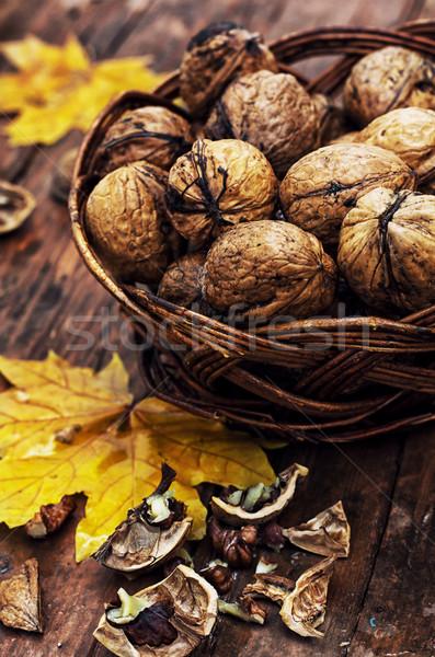 Walnoot mand rijp vruchten olie najaar Stockfoto © nikolaydonetsk