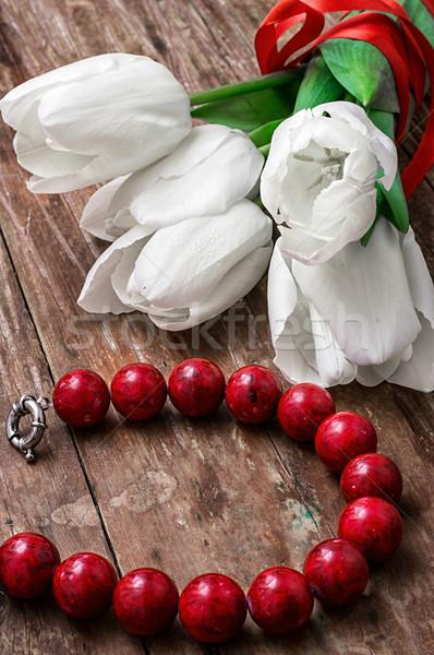 チューリップ サンゴ ビーズ 新鮮な 白 古い木材 ストックフォト © nikolaydonetsk