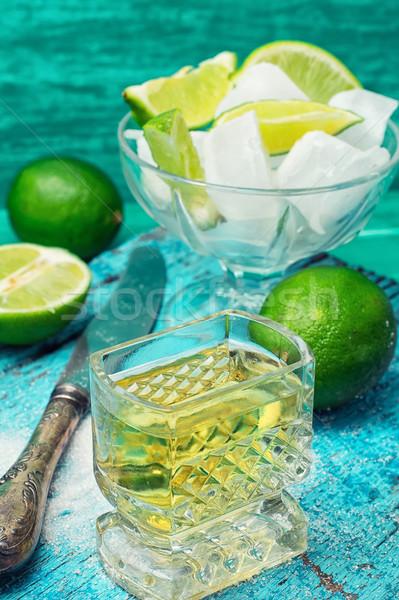 Cocktail kalk glas alcohol vruchten kom Stockfoto © nikolaydonetsk