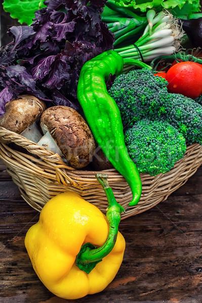 Cesta legumes frescos cogumelos pimentas rústico Foto stock © nikolaydonetsk