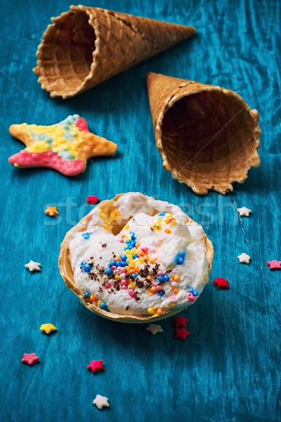 ストックフォト: アイスクリーム · 装飾された · 甘い · ウエハー · 木製