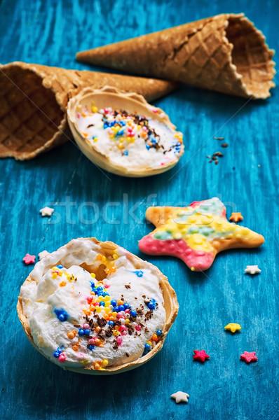 Fagylalt díszített édes por ostya fából készült Stock fotó © nikolaydonetsk