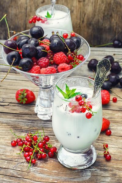 Süt kokteyl karpuzu cam çilek yaz Stok fotoğraf © nikolaydonetsk