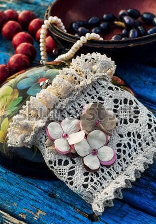 коралловые бисер сердце фон листьев Сток-фото © nikolaydonetsk