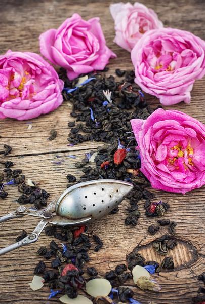 Chá rosa rosas caixa soldagem Foto stock © nikolaydonetsk