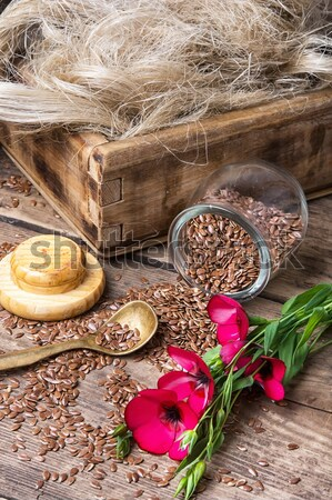 Jagody leczniczy krzew puchar nasion drewniany stół Zdjęcia stock © nikolaydonetsk