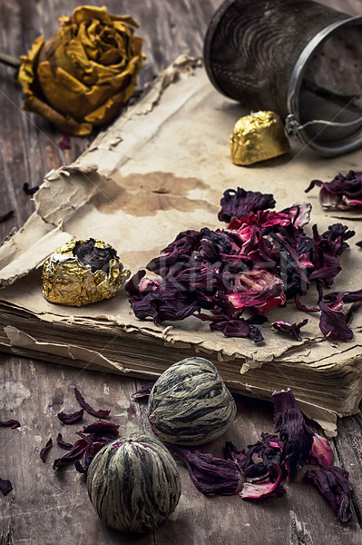 Starej książki herbaty pozostawia vintage stylu Zdjęcia stock © nikolaydonetsk