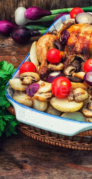 Gebakken geheel kip groenten glas voedsel Stockfoto © nikolaydonetsk