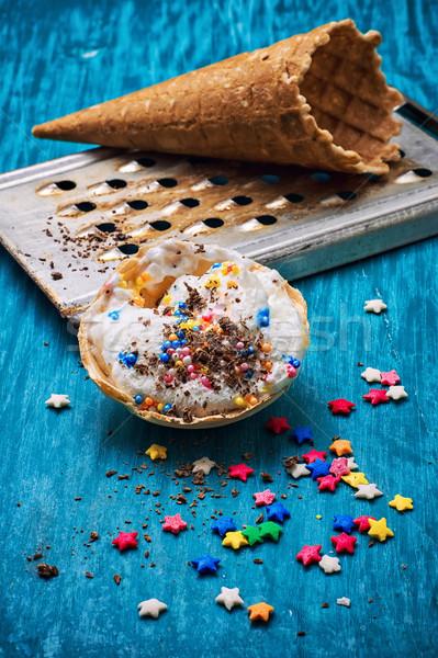 Helado decorado dulce polvo oblea Foto stock © nikolaydonetsk