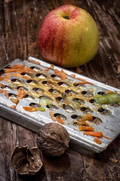 Aromatique pommes salade de fruits processus santé Photo stock © nikolaydonetsk