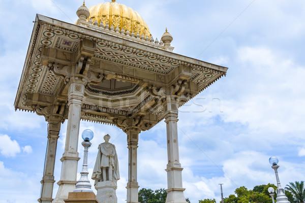 Koning standbeeld paleis Indië asian indian Stockfoto © nilanewsom