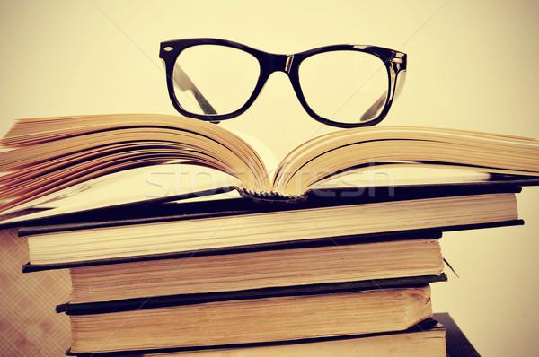 books and eyeglasses Stock photo © nito
