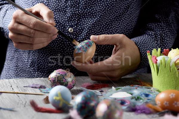 Stock fotó: Fiatalember · házi · készítésű · húsvéti · tojások · közelkép · fiatal · férfi