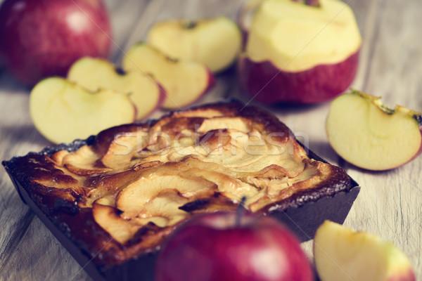 Mela torta mele tavolo in legno primo piano rosso Foto d'archivio © nito