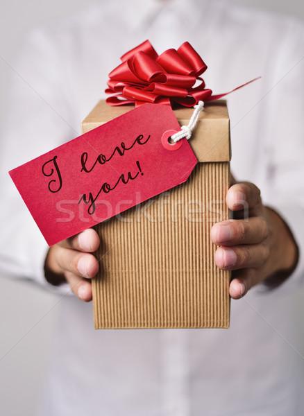Hombre regalo texto amor primer plano jóvenes Foto stock © nito