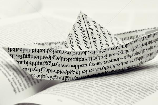 Papieru łodzi otwarta księga wydrukowane Zdjęcia stock © nito