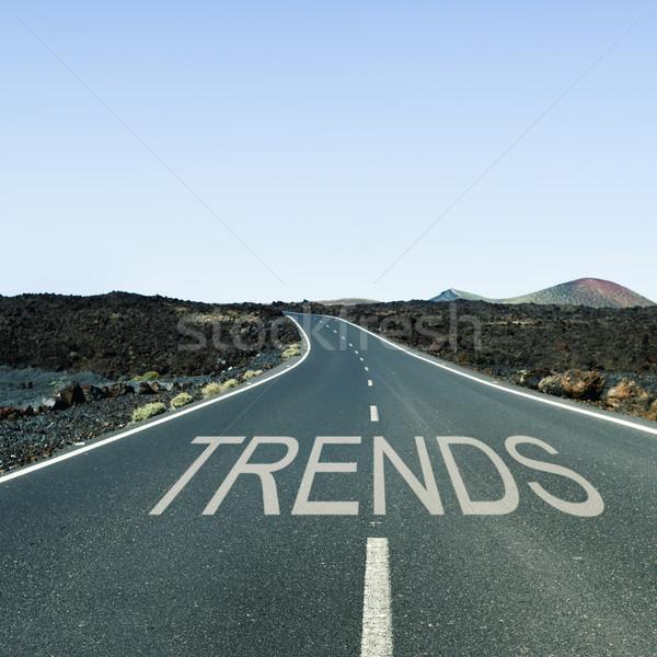 Woord trends eenzaam weg geschreven asfalt Stockfoto © nito