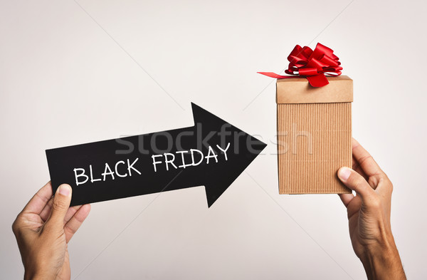 Mann Geschenkbox Text black friday jungen Stock foto © nito