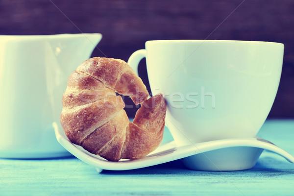 Stockfoto: Croissant · koffie · thee · beker · Blauw