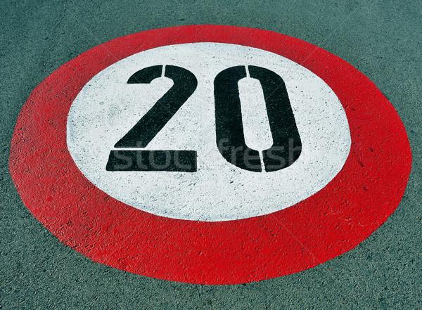 Limite de velocidade assinar pintado estrada vermelho preto Foto stock © nito