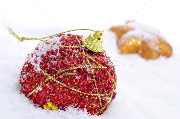 Noel süsler kar kırmızı top altın Stok fotoğraf © nito
