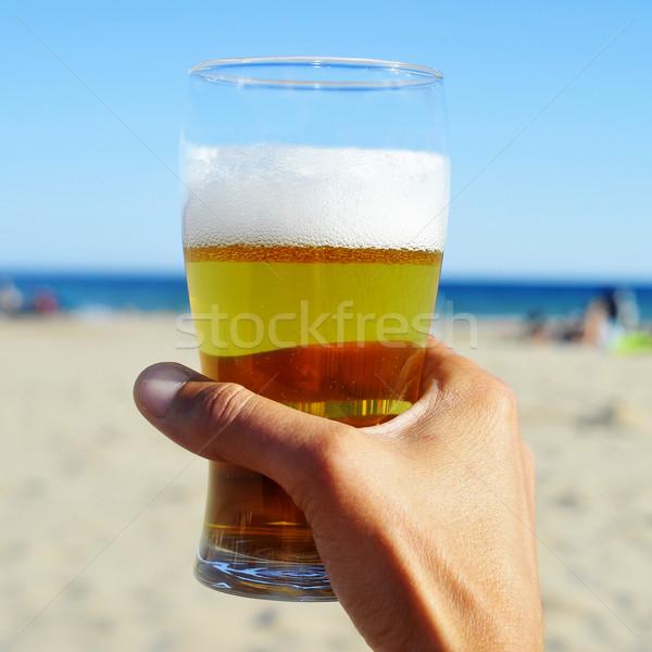 Stock fotó: Frissítő · sör · tengerpart · fiatalember · kéz · tart