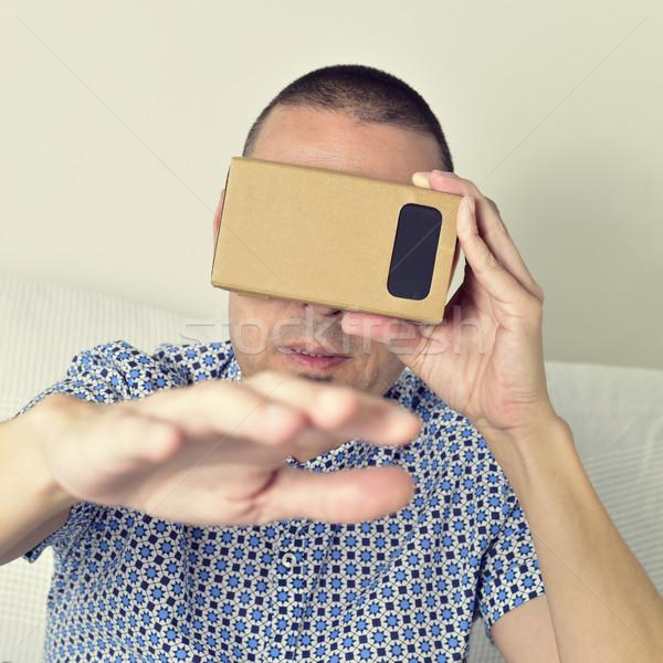 Genç karton sanal gerçeklik lensler Stok fotoğraf © nito