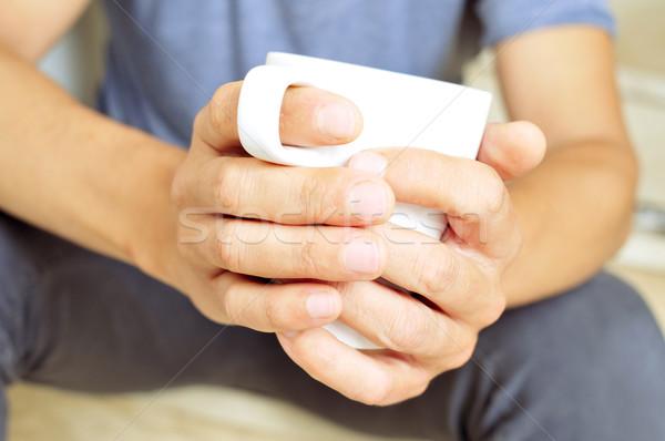 Fiatalember csésze kávé bár tej kávézó Stock fotó © nito
