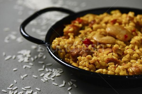 Tipic spaniol tigaie gri rustic Imagine de stoc © nito