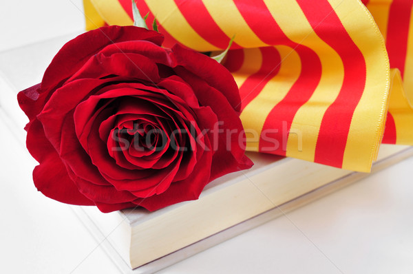 Stok fotoğraf: Kitap · kırmızı · gül · bayrak · aziz · gün · gelenek