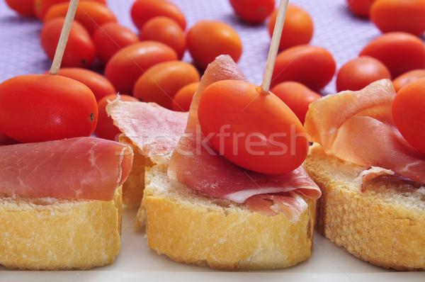 Espagnol serrano jambon sandwiches tomates cerises Photo stock © nito