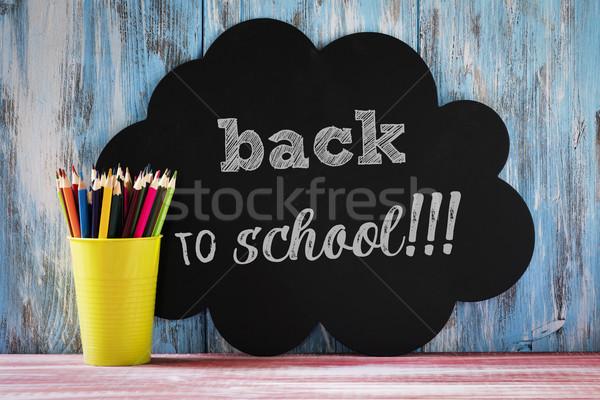 Farbują kredki tekst powrót do szkoły puli inny Zdjęcia stock © nito
