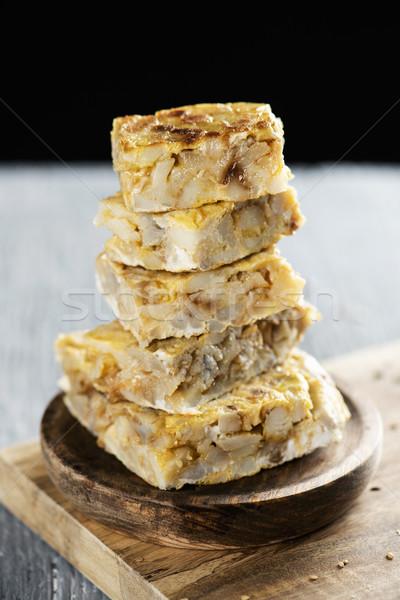 Tortilla espanol piezas típico rústico mesa de madera Foto stock © nito
